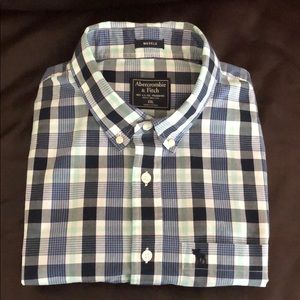 CLASSIC ABERCROMBIE & FITCH BUTTON-DOWN SHIRT